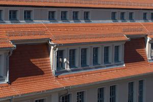 Das Dach der Heeresbäckerei ist jetzt ein Hingucker. Der Wärme- und Schallschutz der Betonkonstruktion und die PIR-Aufsparrendämmung sorgen für Wohlfühlklima