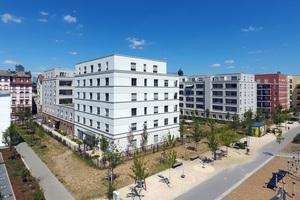 Unterschiedliche Fassadenfarben und Gestaltungs-elemente verleihen jedem Gebäudeteil einen eigenen Charakter