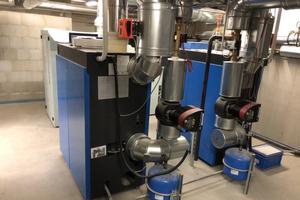 Kombination aus Gasbrennwertsystem und hocheffizienter Kraft-Wärme-Kopplungsanlage
