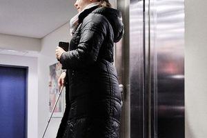 Selbstständig und unabhängig: Sandra Pilz hat die KONE Aufzüge mit der BlindSquare-App als eine der ersten getestet<br />