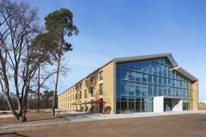 Für den Alnatura Campus in Darmstadt gab es unter anderem den Deutschen Nachhaltigkeitspreis Architektur, den German Design Award sowie die Auszeichnung für nachhaltige Büro- und Verwaltungsgebäude der DGNB.<br />