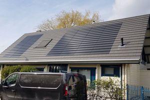 Glatte Ästhetik auf dem Architektendach
