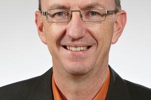 """Ekkehard Fritz, Produktmanager Steildach bei Bauder: """"Die Dachkonstruktionen und der Dachaufbau sind sehr unterschiedlich und erfordern stets objektbezogene Lösungen."""""""