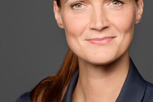 <strong>Autorinnen:</strong> Cornelia Schuch, Dipl.-Ing. für Stadt- und Regionalplanung, Teamleiterin Energieeffiziente Gebäude, und<br /><br /><br />Sarah Koch<br />Dipl. Kommunikationswirtin<br />Seniorexpertin Kommunikation Energieeffiziente Gebäude