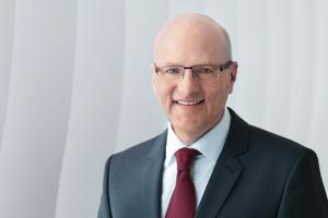 """Dr. Reinhard Pfeiffer: """"Wir bieten der Branche mit der BAU ONLINE eine zeitgemäße Alternative an."""""""