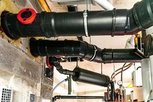 Die Wärmeerzeuger sind an eine mineralische Abgasanlage aus dem Hause Atec angeschlossen worden