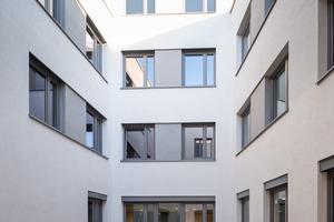 Außen- und Innenwände des Gebäudes wurde mit dem großformatigen Bausystem KS-PLUS von KS-Original errichtet, das zu einer verkürzten Bauzeit von insgesamt 16 Monaten beitrug