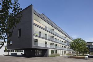 Eine Fassadenfarbe speziell zur Anwendung auf WDVS: Evocryl 200 mit TSR-Formel sorgt dafür, dass Oberflächentemperaturen gering gehalten werden können