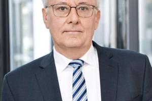 In der nächsten Legislaturperiode müssen große Aufgaben gemeistert werden. Dr. Hans Georg Leuck, Ehrenvorsitzender der DGfM, sieht die Politik – aber auch seine Branche – in der Pflicht.