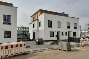 Die ersten Doppelhäuser sind bereits bezogen