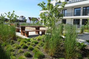 Im Gegensatz zu Extensivbegrünungen steht die intensive Dachbegrünung - der vielseitig nutzbare Garten auf dem Dach