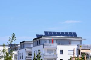 Mit Mieterstrom lassen sich jährlich viele Millionen Tonnen CO<sub>2</sub> im Gebäudesektor einsparen