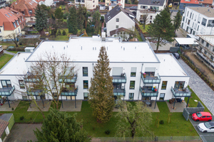 Ein typisches Nach-verdichtungsprojekt in ALHO-Modulbauweise: Das Gebäude fügt sich harmonisch in das Wohnumfeld ein