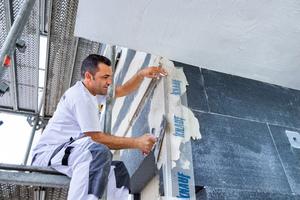 Die Häuser wurden mit der grauen Fassadendämmplatte Knauf EPS Standard 034 gedämmt