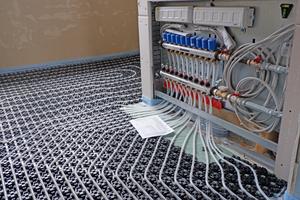 Die vormontierten und anschlussfertigen Comfort Port-Verteilerstationen werden inklusive abgeschlossener Funktionsprüfung und Schutzabdeckung direkt zur Baustelle geliefert