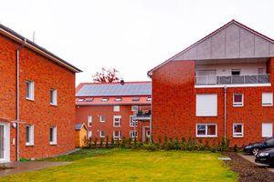 Hohe Qualität mit traditioneller Optik sowie autarker Wärme- und Energieversorgung: Das Häuserdorf in Denstorf nahe Braunschweig