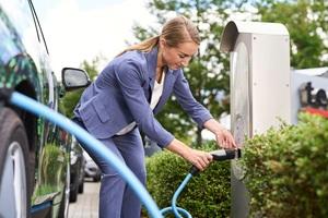 Mit der Zahl der Elektroautos wächst die Zahl der Ladestationen in Deutschland