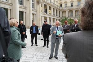 Eine besondere Veranstaltung braucht besondere Orte: Nur wenige Tage nachdem das Humboldt-Forum im neuen Berliner Schloss eröffnet wurde, hatten die Gipfelteilnehmer die Möglichkeit, hinter die Kulissen zu gucken.