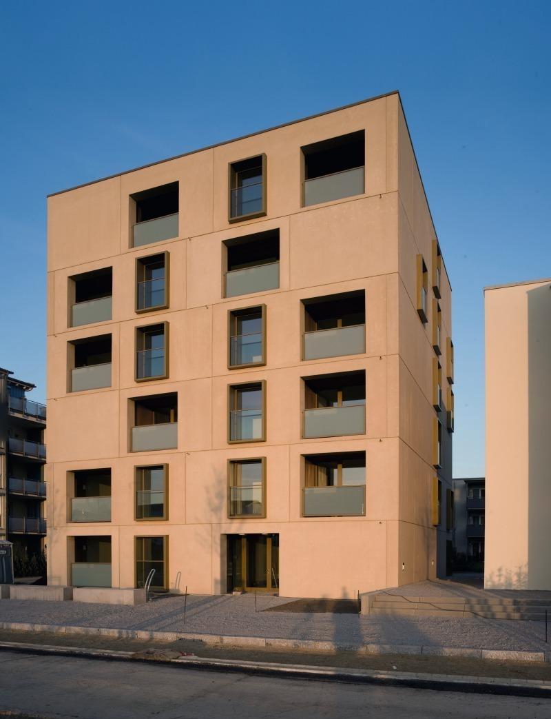 Das sechsgeschossige wohnhaus am stadtpark in neu ulm bietet wohnqualität wie sie sonst nur