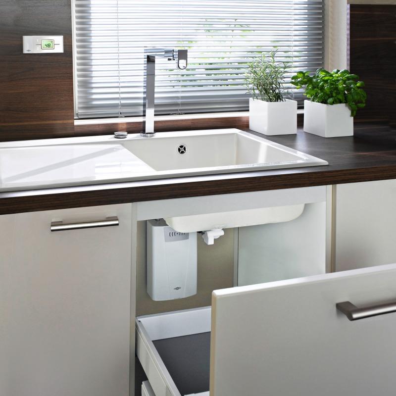 einfach durchlauferhitzer kuche entwurf wohndesign. Black Bedroom Furniture Sets. Home Design Ideas