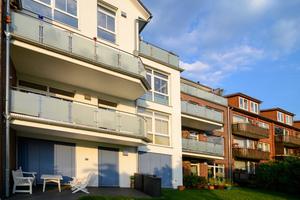 Für ein angenehmes Wohnklima – auch in stark bewohnten Gegenden – sorgen moderne Fenster mit verlässlichen Schallschutz- und Sicherheitswerten