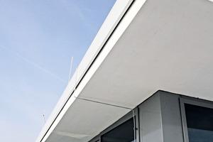 Die einzelnen Teile des Dachrandes müssen sich bei Temperaturänderungen schadlos ausdehnen, zusammenziehen oder verschieben können