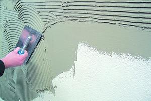 Eine raue Oberfläche gewährleistet den notwendigen Haftverbundzum Fliesenkleber