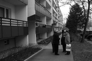 """<div class=""""dachzeile"""">Wohnen in der Siedlung: Modernisierte Mietwohnungen in Berlin, Marzahn</div>"""