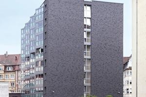 Als Fassadenverkleidung kamen die original Meldorfer Flachverblender zum Einsatz