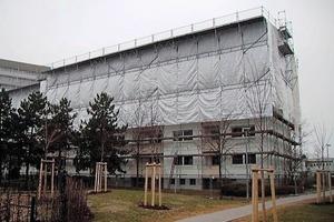 Auf Anraten des Mannheimer Architekten Wolfgang Barthel, der mit der Genehmigungs- und Ausführungsplanung einschließlich Bauüberwachung beauftragt worden war, entschied sich die SOKA-BAU als Eigentümerin der Liegenschaft für eine umfassende Sanierung. Die Arbeiten wurden sehr zügig durchgeführt<br />