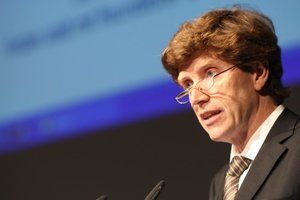Staatssekretär Dr. Engelbert Lütke-Daldrup