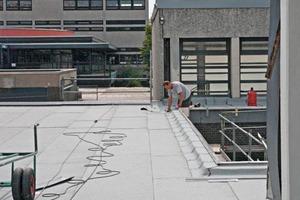 Im Schulzentrum Heidberg standen acht Dächer auf der Prioritätenliste ganz oben und sind in einem Zeitfenster von nur acht Wochen saniert worden