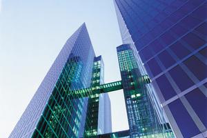 Aluminium-Glasfassaden sind ein klassischer Einsatzbereich von Baudichtstoffen