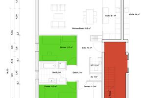Der Grundriss einer 95 m² großen Wohnung verdeutlicht das Schallschutzkonzept: Laute Räume wie das Treppenhaus (rot) wurden von Ruhezonen wie Schlafzimmern (grün) getrennt