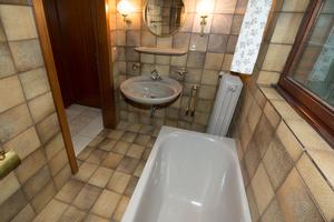 Ein geradezu typischer Anblick: Die größte Anzahl an Barrieren in der Wohnung ist im Bad zu finden