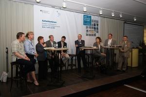 <br />Auftaktkonferenz: <br />Die Ergebnisse der Modellvorhaben und Pilotprojekte werden 2012 vorgestellt<br />