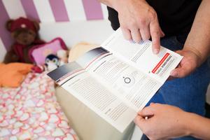 Bei den Montage wird eine Broschüre mit wichtigen Informationen zu den Geräten verteilt. Bei Fragen und Störungen können Bewohner bei einer 24-Stunden-Hotline anrufen