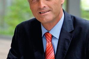 """<span class=""""ueberschrift_hervorgehoben"""">Dr. Peter Ramsauer</span><br />Bundesminister für Verkehr, Bau und Stadtentwicklung<br />"""
