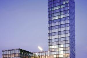 Schienenverteiler-Systeme unterstützen auch die Umsetzung grüner Gebäude. Hier im Bild der Neubau des Süddeutschen Verlages in München<br />