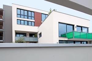 sunbase bietet einen breiten Mix an Grundrissformen. Das Wohnungsangebot reicht von 2-Zimmerwohnungen mit rund 70m<sup>2</sup> Wohnfläche über 5-Zimmerwohnungen mit rund 200m<sup>2</sup> bis hin zu Maisonette- und Penthousewohnungen. Beides trägt wesentlich zur Akzeptanz des Wohnbauprojekts bei<br />