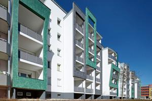 Die Nachrüstung der Aufzüge war Teil einer umfassenden Sanierung des knapp 75 m langen Wohnkomplexes
