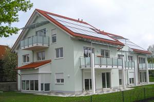 Dank seiner natürlich mineralischen Füllung erzielt der Mauerziegel Unipor W07 Coriso einen Wärmedurchgangswert von nur 0,18 W/(m²K). Das Mehrfamilienhaus entspricht somit dem KfW-Energiehausstandard 55