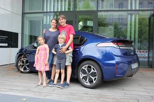 Testfamilie 2: Anja Heinzelmann und Wolfgang Brenner mit Kindern