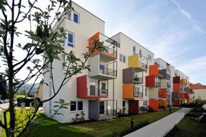 Lebendige Komposition: Mitten im neuen Quartier wurden auch Einheiten für senoriengerechtes Wohnen realisiert<br />