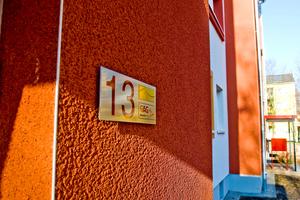 Bei der Modernisierung einer Wohnsiedlung im Kölner Stadtteil Ossendorf setzte die GAG auf das vollmineralische WDV-System weber.therm A 100, bestehend aus Mineralwolle-Lamellen und einem mineralischen Edelkratzputz