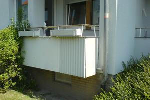 Vor der Instandsetzung gaben die Balkone des Mehrfamilienhauses ein wenig einladendes Bild ab