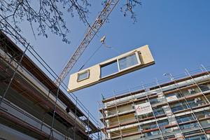 Durch die Umwandlung der Balkone zu Wintergärten ließen sich Wärmebrücken reduzieren und neuer Wohnraum schaffen (Architekt: lattkearchitekten)