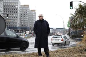 Michael Braum, Vorstandsvorsitzender der Bundesstiftung fordert einen behutsamen Umgang mit<br />    den Qualitäten der<br />        Städte<br />