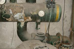Risiko Verkeimung: Aufbereitungsanlagen, die nicht mehr in Betrieb sind, sollten vollständig vom Leitungsnetz getrennt werden