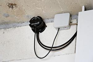 Ein verschleißfreier Drucksensor im Treppenhaus ersetzt aufwändige mechanische Regelklappen